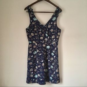 NWT Trixxi Bow Detail Strap Floral Mini Dress